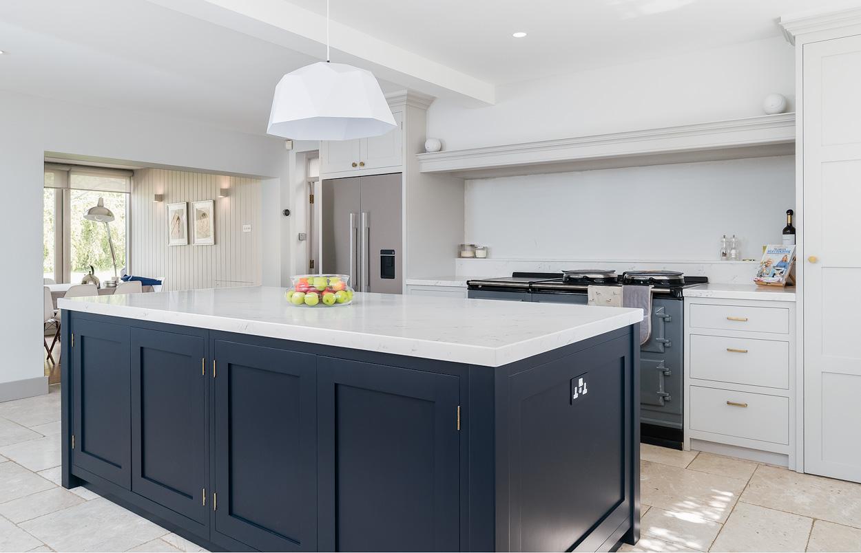 kitchen cabinet painters Swindon Wiltshire