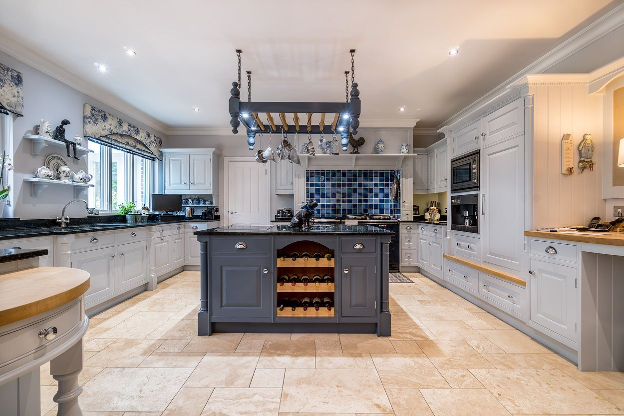 Specialist kitchen cabinet painters Berkshire