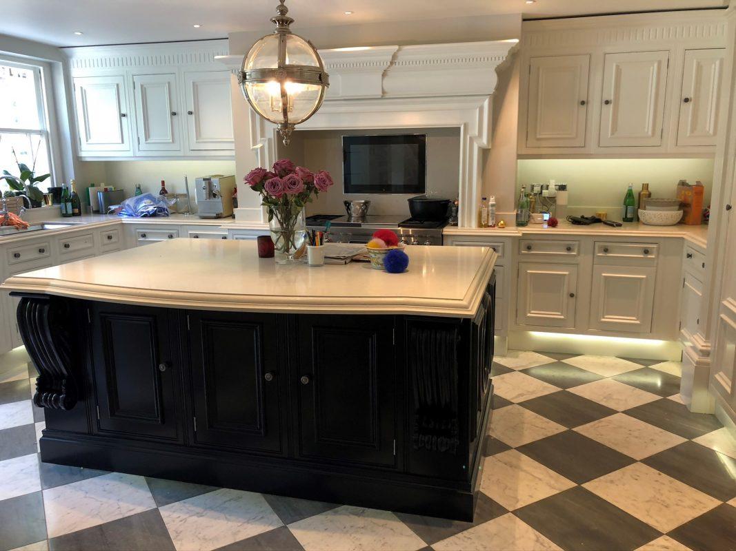 Kitchen cabinet painters Holland Park